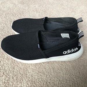 Women's Adidas Slip-on shoes black EUC size 7